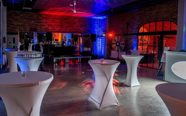 Eventy - Sale wyposażone są w nową wentylację, pomieszczenia socjalne oraz zaplecze sanitarne.